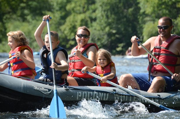 Family Style Rafting in Jim Thorpe, Family Whitewater Rafting, Family Rafting in PA, Rafting in Jim Thorpe, Raft the Poconos, Easy Whitewater, White Water Rafting